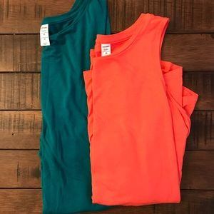 Old Navy Relaxed Tank Tops